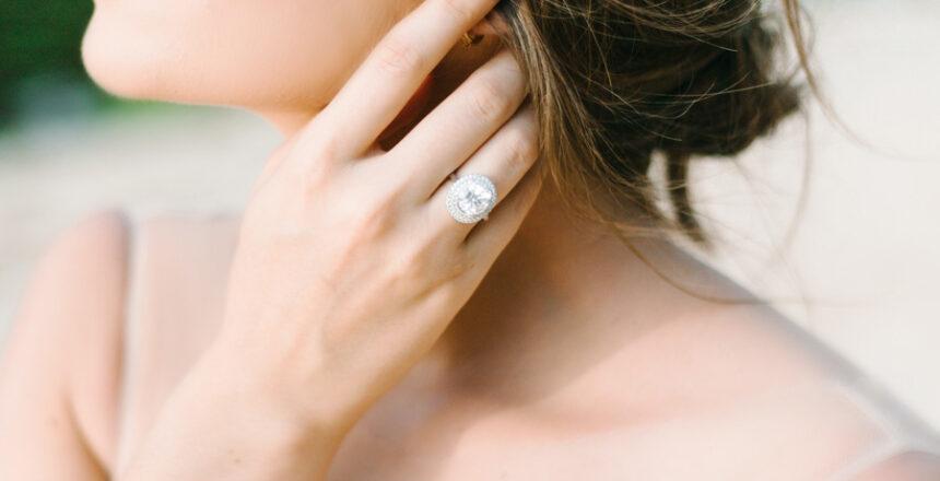 Cómo-reconocer-los-diamantes-naturales,-sintéticos-e-imitaciones